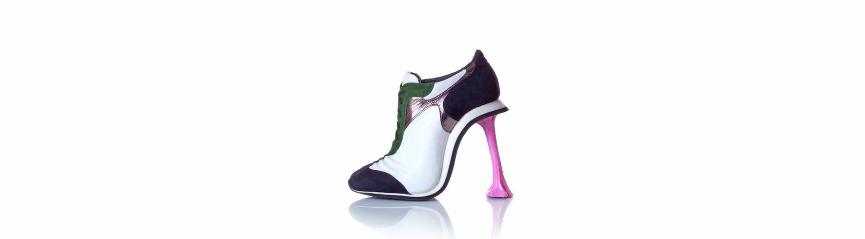 kobi levi et les chaussures sculptures figures de style. Black Bedroom Furniture Sets. Home Design Ideas